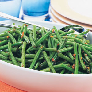 Soy-dressed green beans