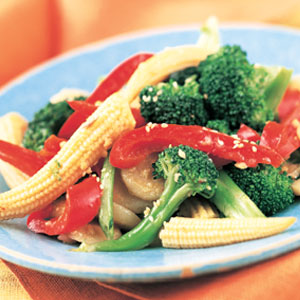 Vegetable stir-fry with garlic sauce