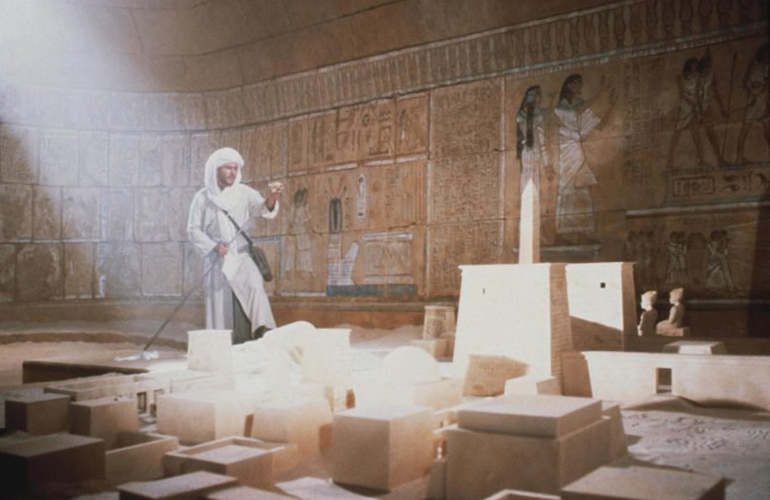 R2-D2 and C-3PO appear in Indiana Jones