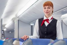 10 things polite people don't do on airplanes