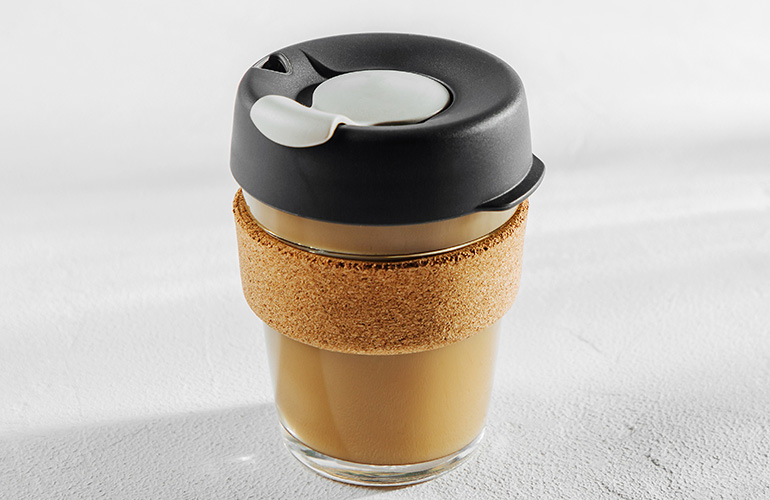 Do: Toss your portable mug in your bag