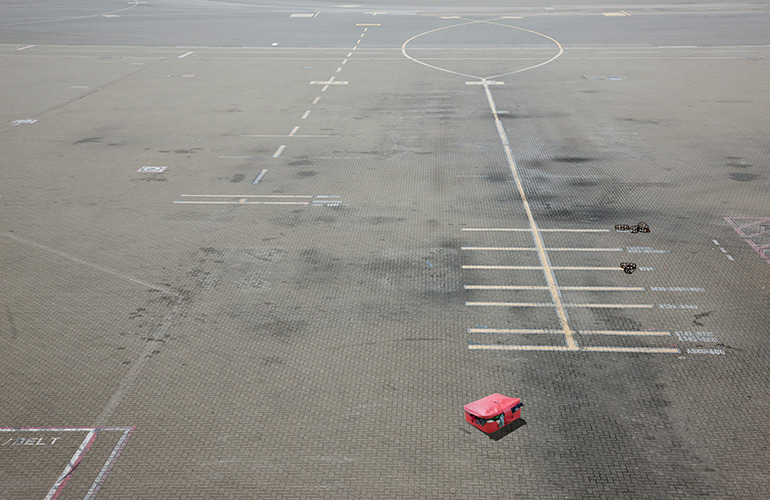 What do airlines do with lost luggage?